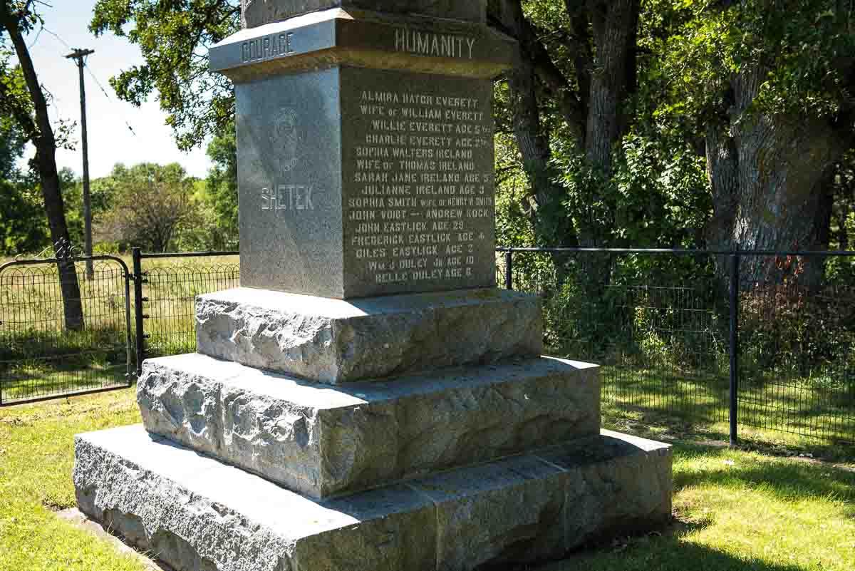 minnesota lake shetek state park monument