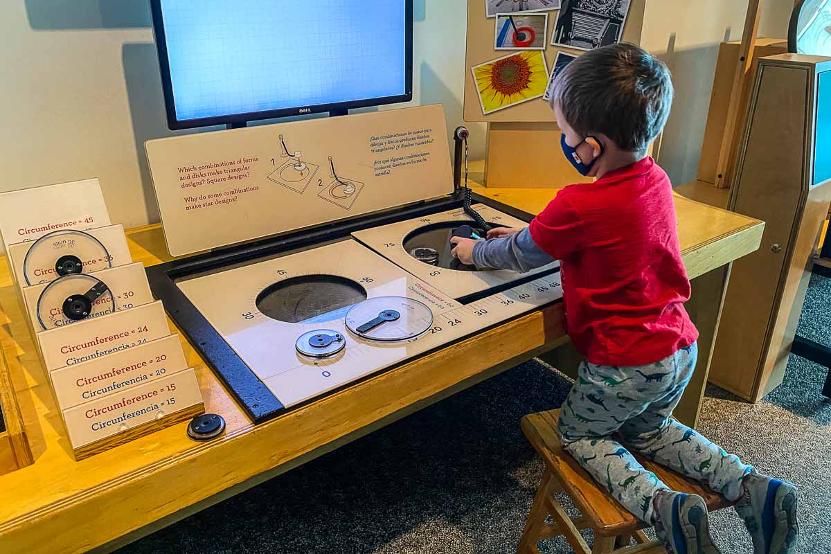 minnesota science museum drawing machine