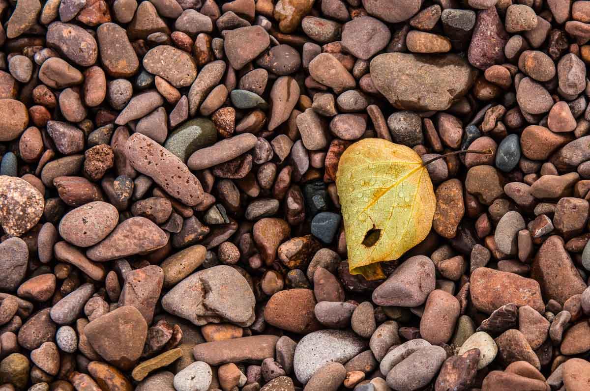 minnesota grand marais shorline rocks